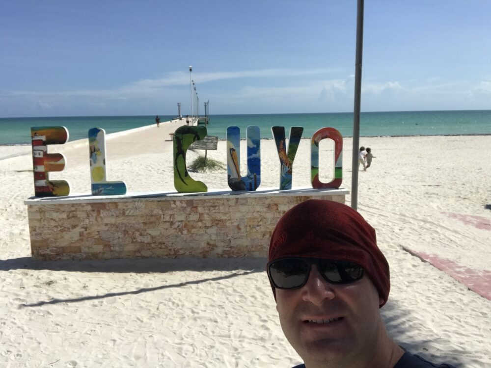 El Cuyo sign